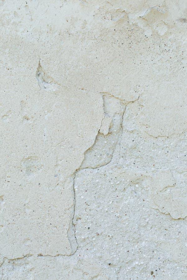 Старая конкретная треснутая стена стоковые изображения rf