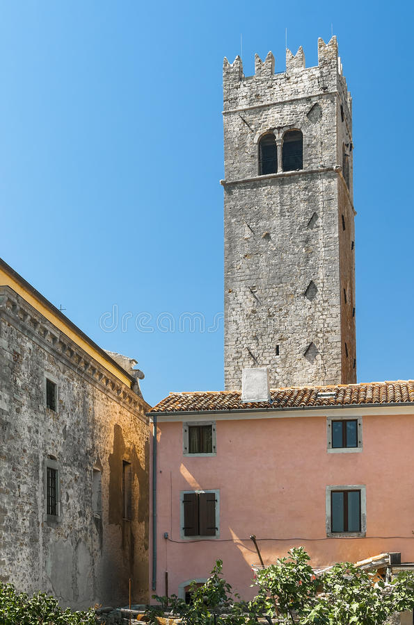 Старая колокольня в Motovun стоковые фотографии rf