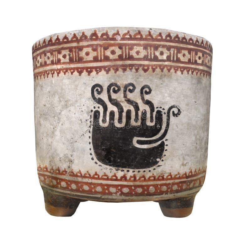 Старая майяская изолированная чашка глины. стоковое изображение