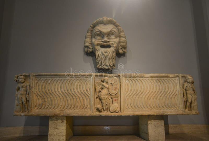Старая мраморная скульптура в музеях Ватикана стоковое фото