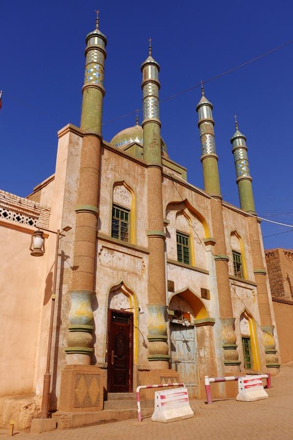 Старая мусульманская мечеть которая закрытый постоянно стоковая фотография
