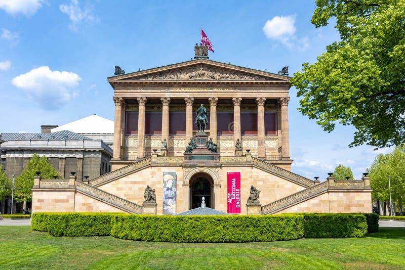 Старая национальная галерея Alte Nationalgalerie на острове музея, Берлине, Германии стоковые фото