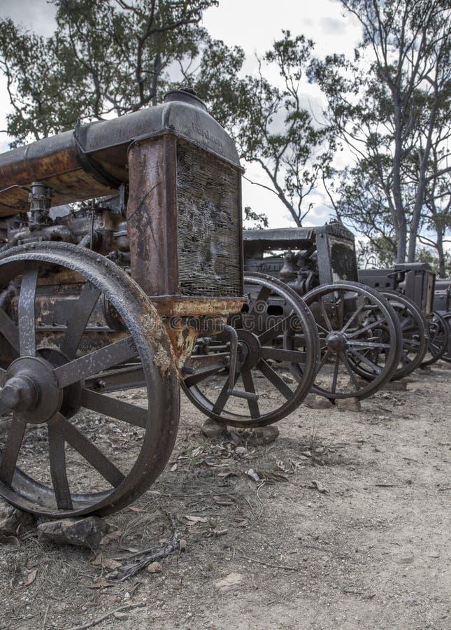 Старая лошадь и Sadle городка минирования стоковые изображения