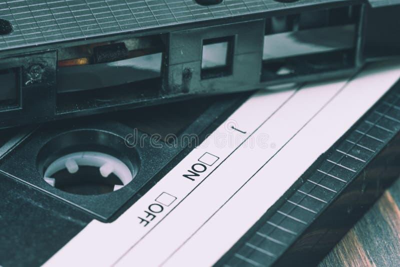 Старая пластичная магнитофонная кассета стоковое фото rf