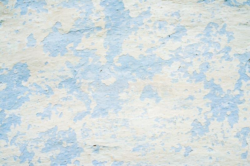Старая побеленная стена с богатой и различной текстурой стоковое фото