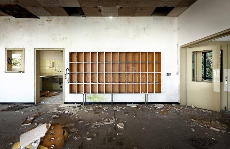 Старая покинутая гостиница стоковое изображение