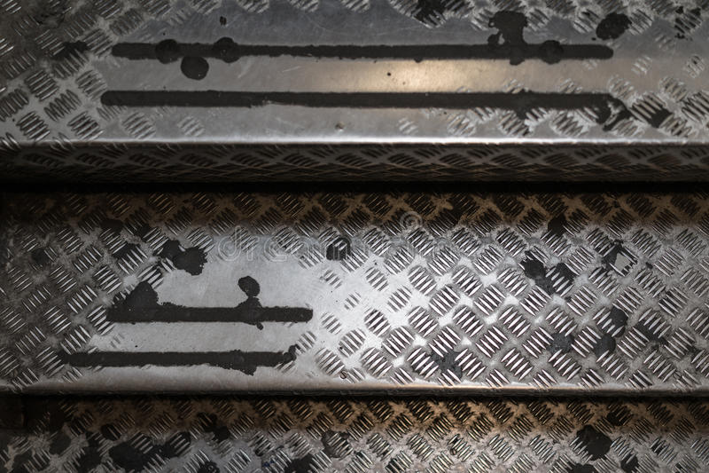 Старая постаретая используемая стальная лестница случая лестницы с текстурой картины стоковое фото rf