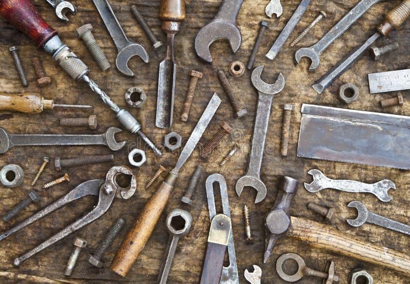 Старая предпосылка инструментов и крепежных деталей стоковое фото rf