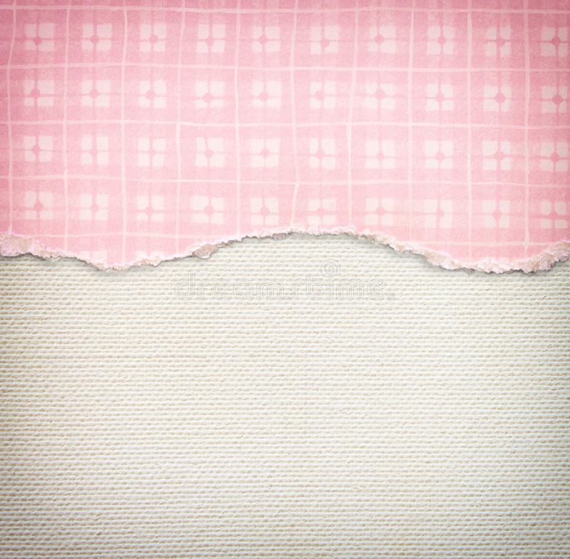 Старая предпосылка текстуры холста с чувствительной картиной нашивок и розовым сорванной годом сбора винограда бумагой стоковое фото