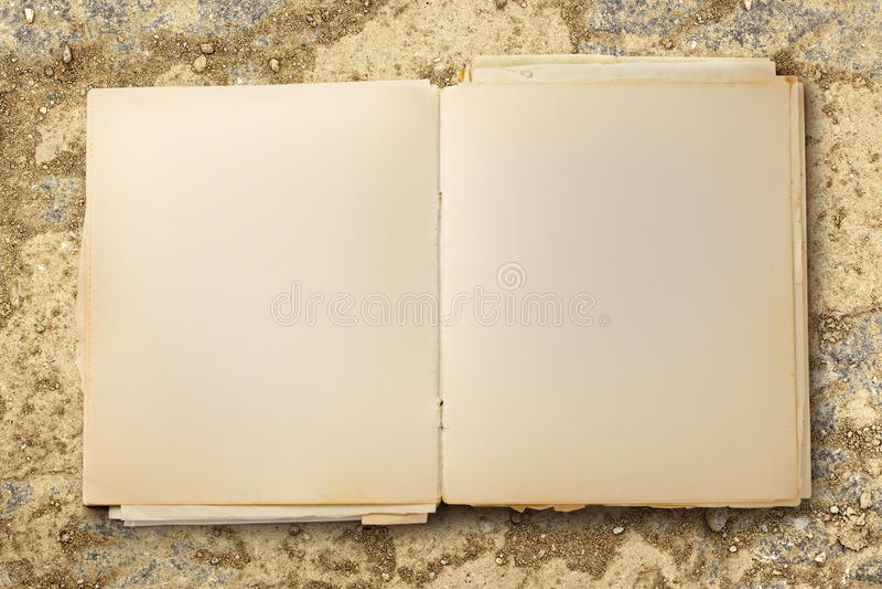 Старая пустая тетрадь открытая стоковая фотография