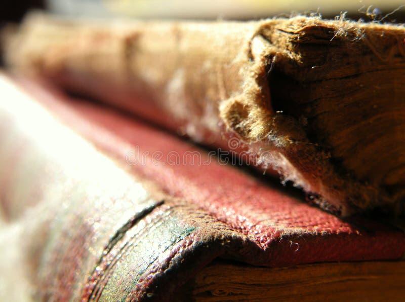 Старая пылевоздушная книга стоковая фотография