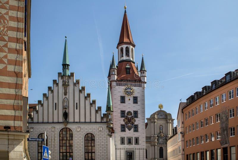Старая ратуша с башней, Мюнхеном, Германией стоковые изображения rf