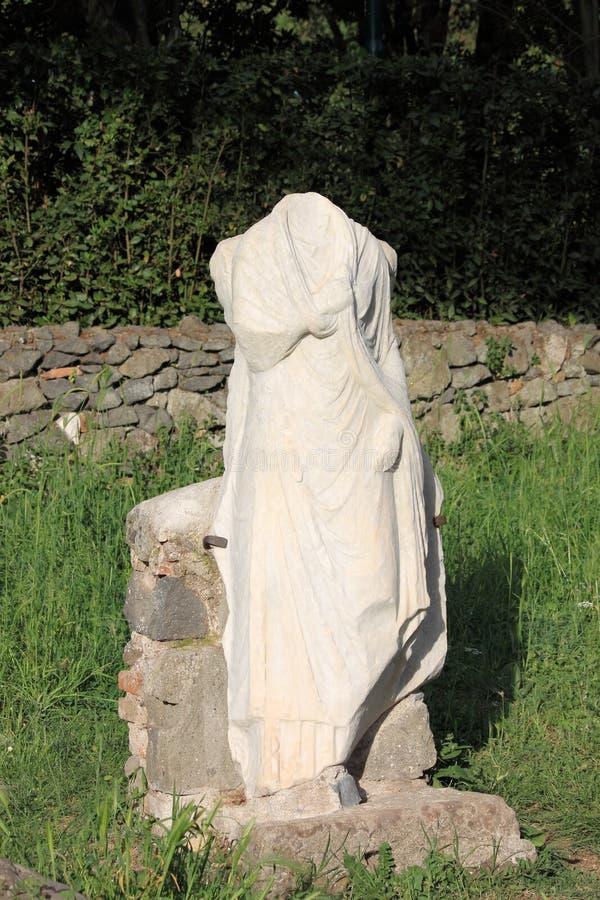 Старая римская статуя в Аппиевой дороге стоковые изображения