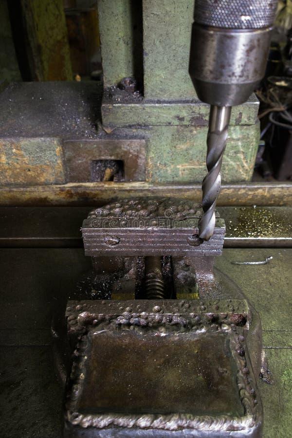 Старая сверля машина с устарелым используемым недостатком с выборочным фокусом стоковые изображения