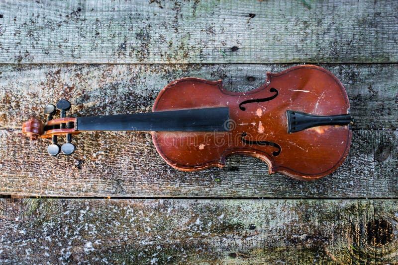 Download старая скрипка стоковое фото. изображение насчитывающей деревянно - 81805882