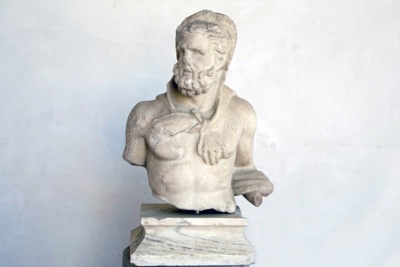 Старая скульптура сатира стоковая фотография