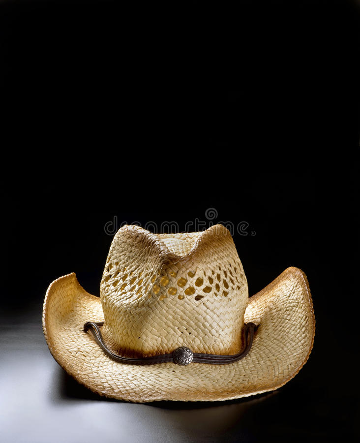 Старая соломенная шляпа ковбоя стоковое фото rf