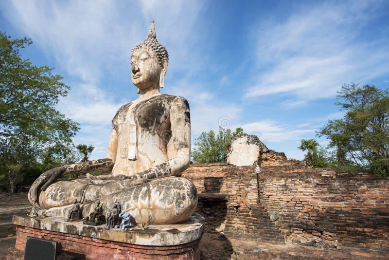 Старая статуя Будды на парке Sukhothai историческом, Таиланде стоковые изображения rf