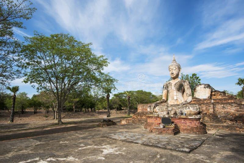 Старая статуя Будды на парке Sukhothai историческом, Таиланде стоковые фото