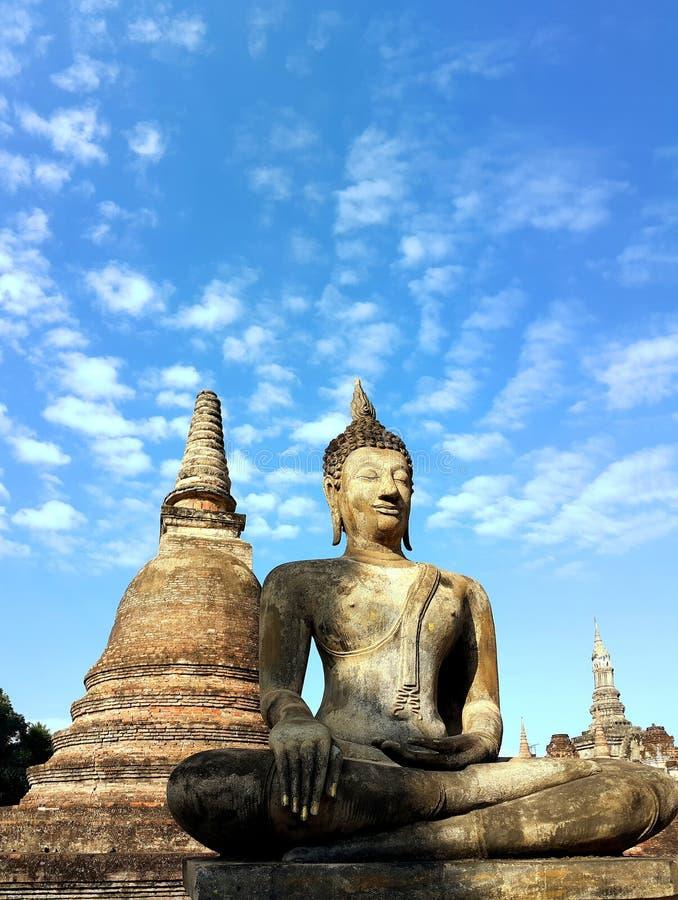 Старая статуя Будды на парке Sukhothai историческом, Таиланде стоковое фото