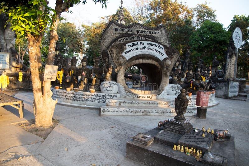 Старая статуя в виске Sala Keo Kou, Nong Khai, Таиланде, Азии стоковые изображения rf