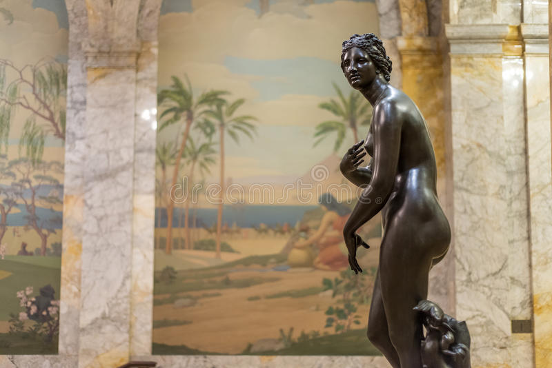 Старая статуя римской женщины стоковая фотография rf