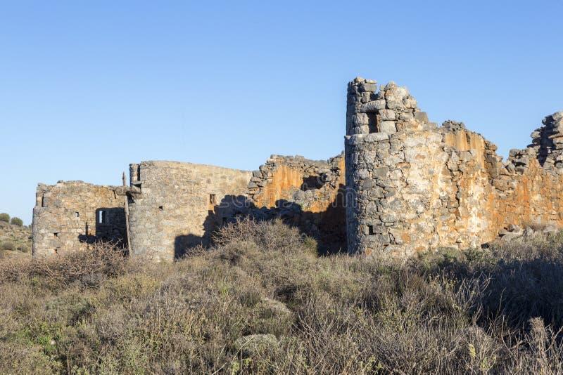 Старая традиционная ветрянка в горе Крит Греция стоковые изображения