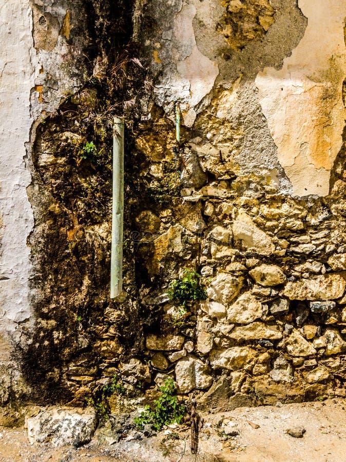 Старая труба дождевой воды стоковое фото