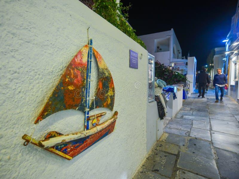Старая улица в острове Santorini, Греции стоковое изображение rf