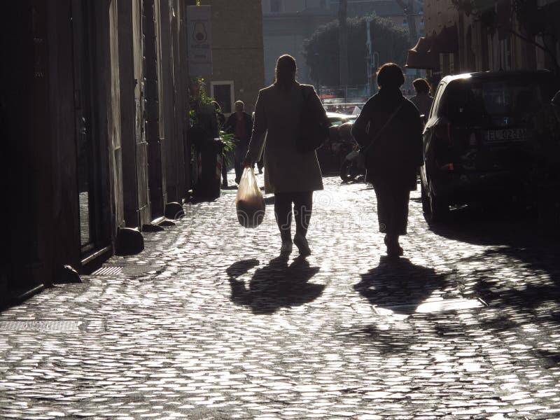 Старая улица в Риме стоковые изображения rf