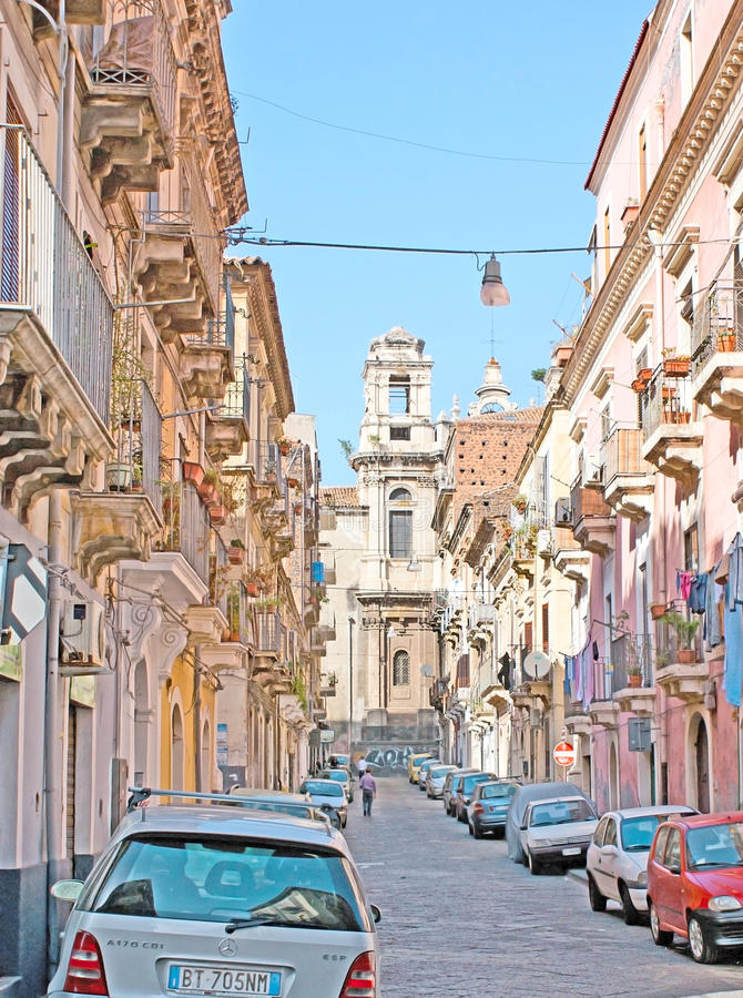 Старая улица в Катании стоковое фото rf