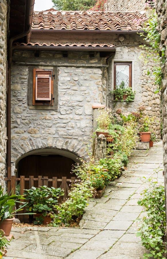 старая улица Тоскана стоковые изображения