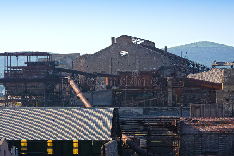 Старая фабрика минирования стоковое изображение rf