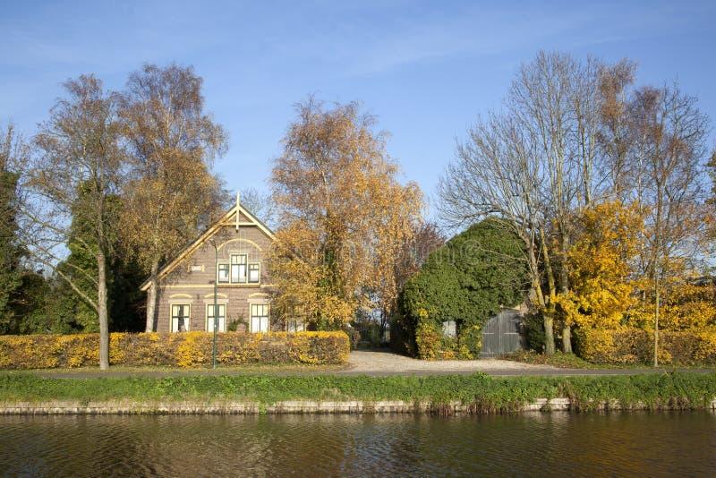 Старая ферма между De Meern и Harmelen в Нидерландах стоковое изображение rf