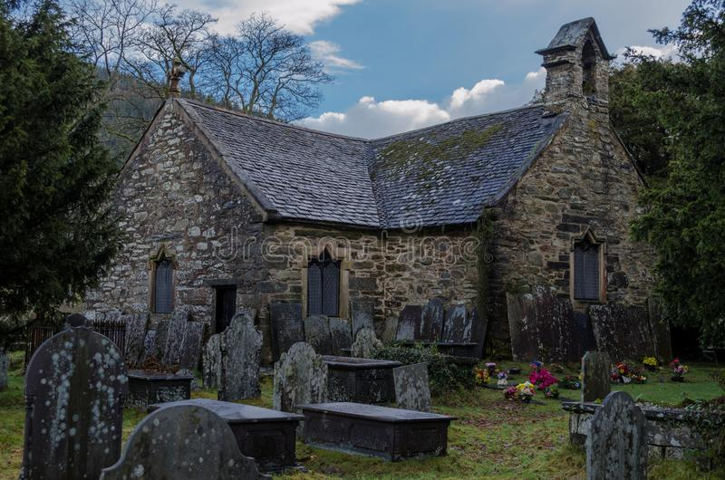 Старая церковь в coed Bewst y стоковые изображения