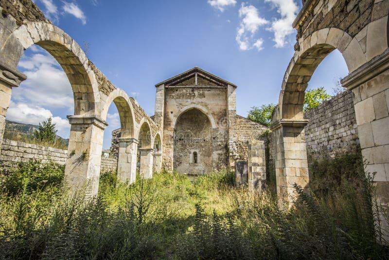 Старая церковь Santa Maria di Cartignano стоковое изображение rf