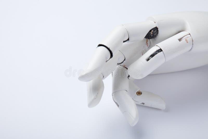 Старая человеческая робототехническая рука в современной концепции Протез руки стоковые изображения rf