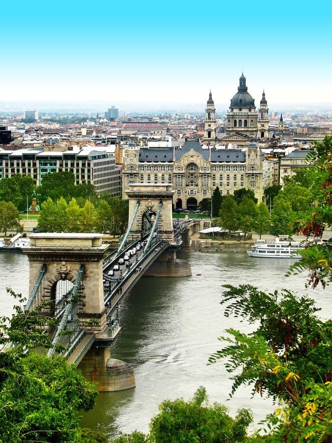 старая budapest моста цепная стоковая фотография rf