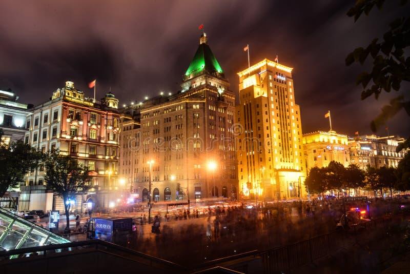 Старинные здания в бунде Шанхая стоковые изображения rf