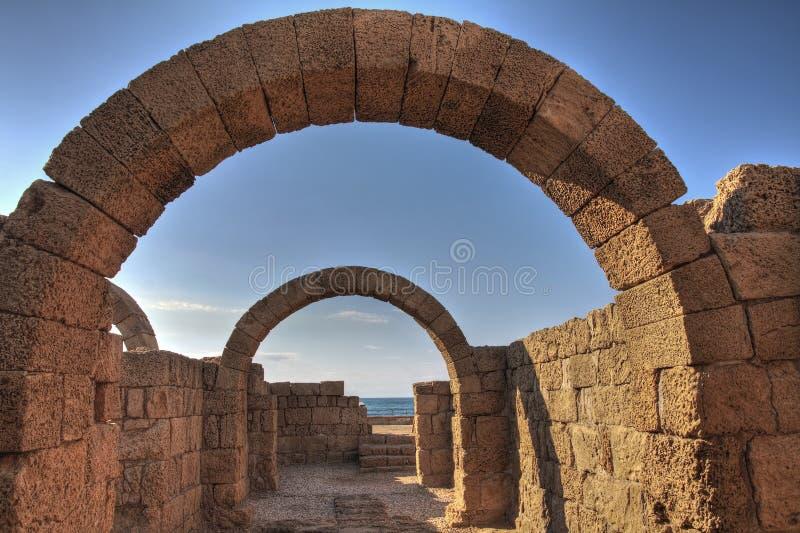 стародедовские руины caesarea стоковые фотографии rf