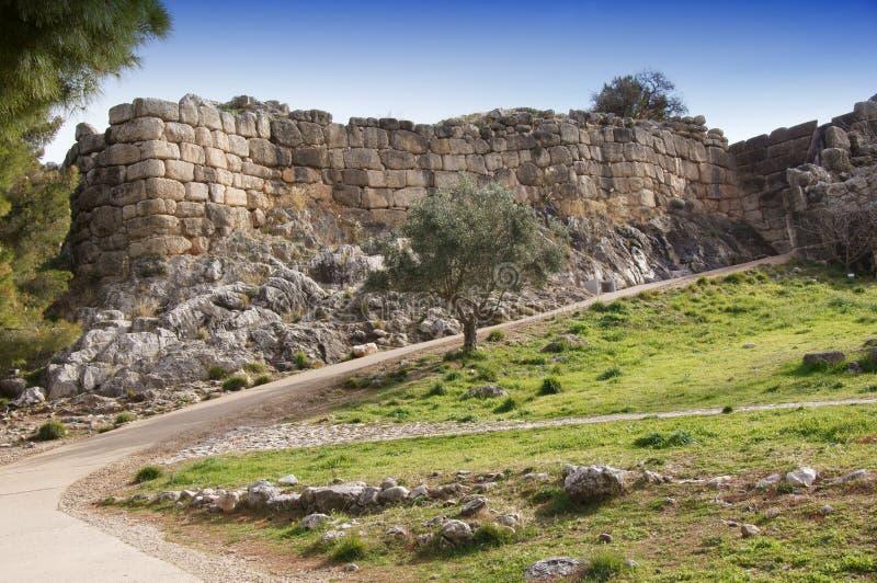 Стародедовские стены города Mycenae стоковые фотографии rf