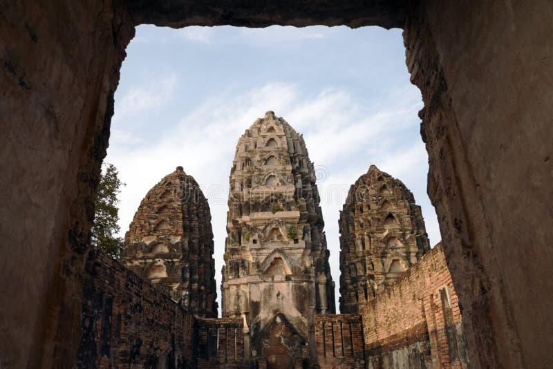 Стародедовские тайские руины стоковое фото rf