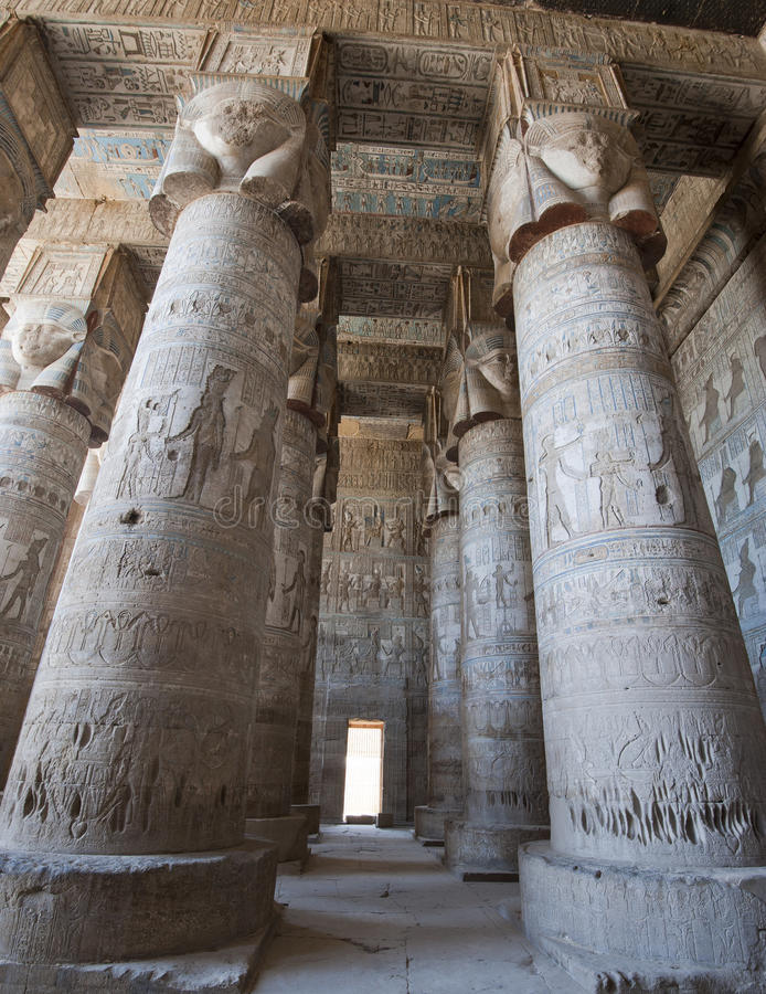 стародедовский висок египтянина колонок стоковые фото