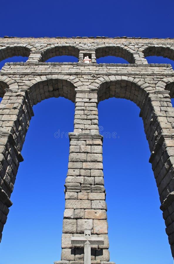 стародедовский мост-водовод римский стоковые изображения rf