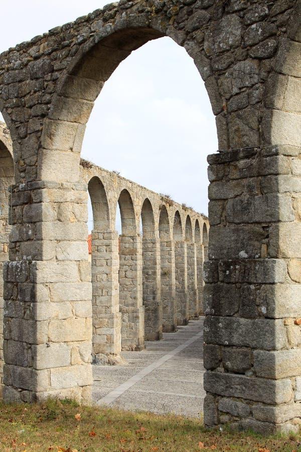 стародедовское conde мост-водовода делает Португалию vila стоковая фотография