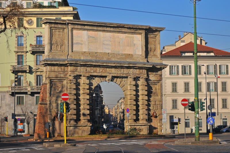 стародедовское romana porta милана Италии строба стоковое изображение rf