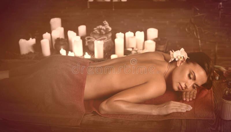 Старое влияние fhoto массажа для уставшего тела стоковая фотография rf