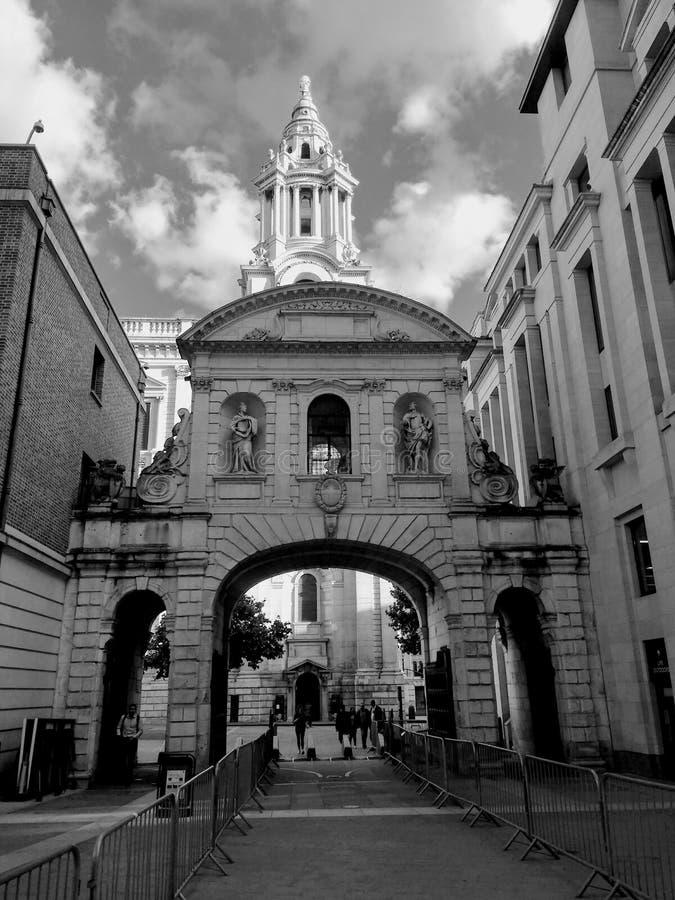 Старое ворот Лондона стоковые фотографии rf