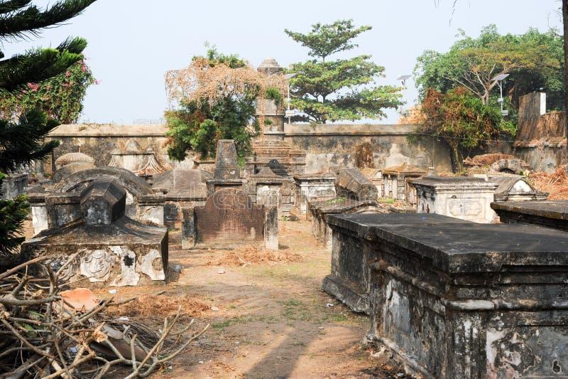Старое голландское кладбище форта Cochin стоковые фото