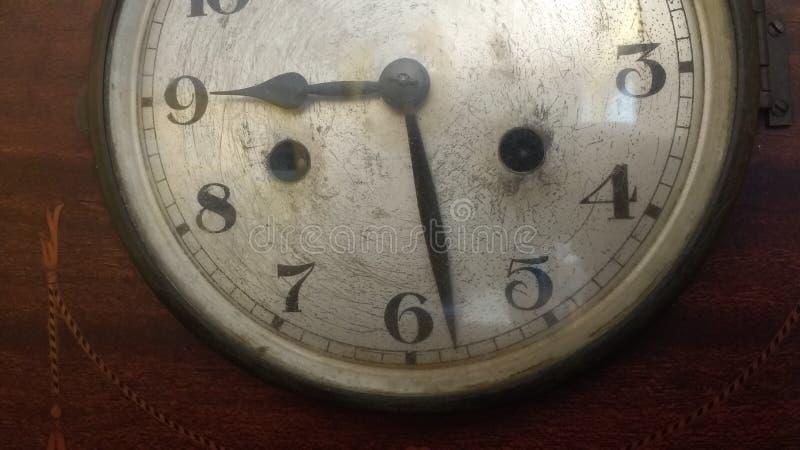 Старое деревянное clockface деревянное стоковые изображения